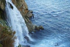duden водопад индюк antalya Среднеземноморской seashore Стоковые Изображения RF