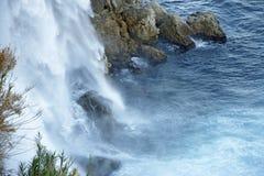 duden водопад индюк antalya Среднеземноморской seashore Стоковые Изображения