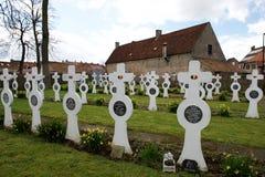 Dudzele, marzec 28: Stary Militarny cmentarz w Belgia Obrazy Stock