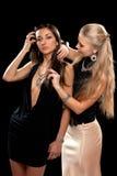 Due abbastanza giovani donne fotografie stock libere da diritti