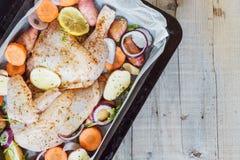 Due ali di pollo fresche pronte per cucinare Fotografia Stock Libera da Diritti
