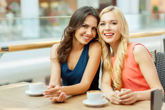 Due amici in caffè. Fotografia Stock Libera da Diritti