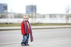 Due anni adorabili della ragazza Immagini Stock Libere da Diritti