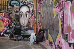 Due artisti dei graffiti sul lavoro Fotografia Stock Libera da Diritti