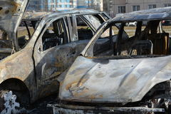 Due automobili bruciate Fotografie Stock Libere da Diritti