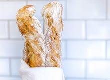 Due baguette in un asciugamano Immagine Stock