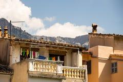 Due balconi con le montagne come fondo Fotografie Stock