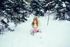 Due bambine adorabili divertendosi insieme fotografia stock