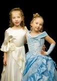Due bambine sveglie nella piena crescita fotografia stock libera da diritti
