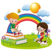 Due bambini che leggono e che scrivono nel giardino illustrazione vettoriale