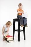 Due bambini con i libri Fotografia Stock Libera da Diritti