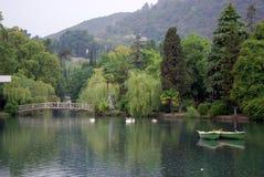 Due barche e un lago Fotografia Stock