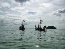 Due barche nel mare fotografia stock libera da diritti