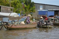 Due barche a Phong Dien Floating Market Fotografia Stock Libera da Diritti