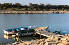 Due barche sul pilastro Fotografia Stock Libera da Diritti