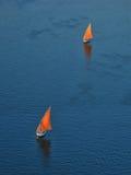 Due barche a vela da un ` s dell'uccello osservano la vista Immagini Stock Libere da Diritti