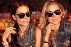 Due belle donne Fotografie Stock Libere da Diritti