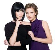 Due belle giovani donne sensuali di fascino Fotografia Stock
