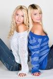 Due belle sorelle fotografie stock libere da diritti