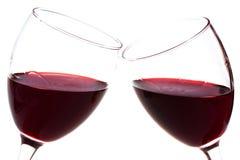 Due bicchieri di vino con vino rosso Fotografie Stock Libere da Diritti