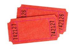 Due biglietti rossi normali in bianco di film hanno isolato immagine stock