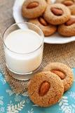Due biscotti del grano intero della mandorla Fotografia Stock