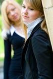 Due blonds attraenti Immagini Stock