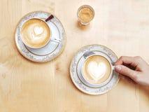 Due caffè e un certo zucchero, per favore! Fotografia Stock Libera da Diritti