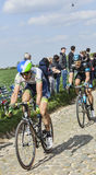 Due ciclisti su Parigi Roubaix 2014 Fotografia Stock Libera da Diritti