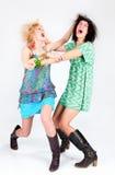 Due combattimenti della giovane donna Fotografia Stock Libera da Diritti
