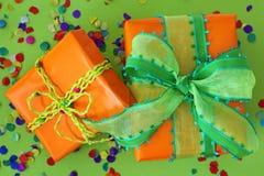 Due contenitori di regalo Fotografia Stock