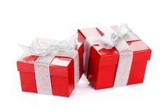 Due contenitori di regalo rossi Fotografie Stock Libere da Diritti