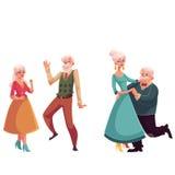 Due coppie della gente anziana e senior che balla insieme Immagini Stock
