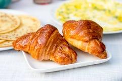 Due croissant dolci per la prima colazione Fotografia Stock Libera da Diritti