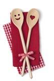 Due cucchiai di cottura di legno fotografia stock