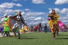 Due donne del nativo americano al powwow Fotografie Stock Libere da Diritti