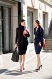 Due donne di affari Immagini Stock