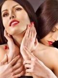Due donne lesbiche nude nel gioco erotico di preliminari Fotografie Stock Libere da Diritti