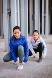Due donne pronte per correre Immagine Stock Libera da Diritti