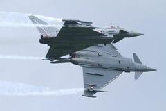 Due Eurofighters - Airobatics Fotografia Stock Libera da Diritti