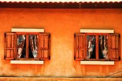 Due finestre di legno Immagini Stock