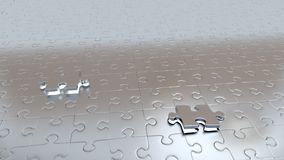 Due fori bianchi con due pezzi grigi che sfuggono in un pavimento di puzzle Immagine Stock Libera da Diritti