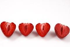 Due fragole lavate fresche rosse su fondo bianco Chiuda sulla macro foto Immagini Stock Libere da Diritti