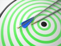 Due frecce sull'obiettivo royalty illustrazione gratis