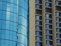 Due generi di esterno della costruzione moderna Fotografie Stock Libere da Diritti