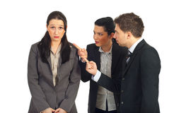 Due gestori discutono la donna del datore di lavoro Immagini Stock Libere da Diritti