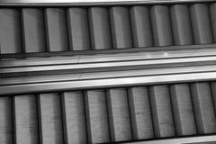 Due grandi scale mobili moderne di un centro commerciale Fotografia Stock Libera da Diritti