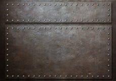 Due hanno macchiato i piatti d'acciaio con i ribattini sopra il fondo del metallo fotografia stock libera da diritti