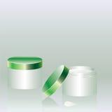 Due latte verdi con crema illustrazione di stock