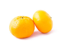 Due mandarino (mandarino) su fondo bianco Immagini Stock